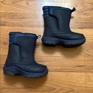 Lands End navy boys snow boots